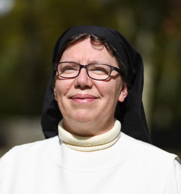 Avec Marie, prier pour autrui