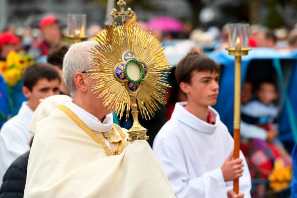 DSC_4545-procession-mercredi